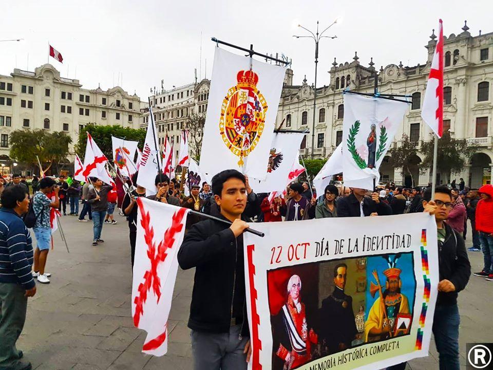 Les monarchistes péruviens