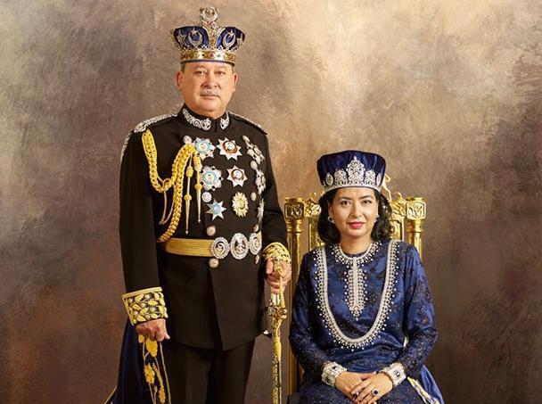 Ibrahim ibni Almarhum Sultan Iskandar Al-Haj et son épouse