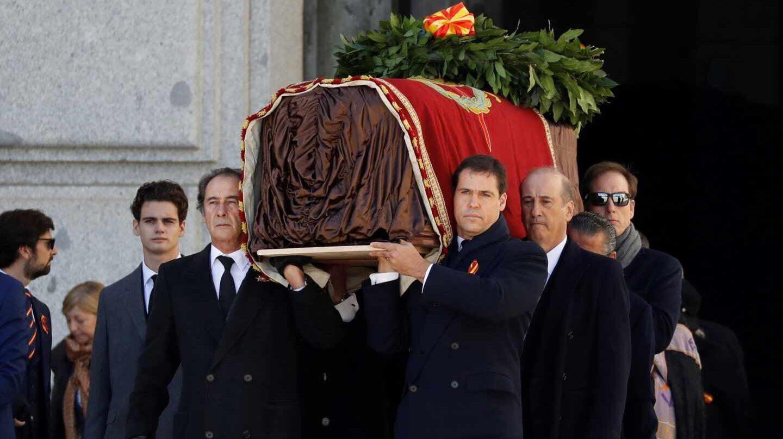 Louis de Bourbon portant le cercueil de son arrière-grand-père