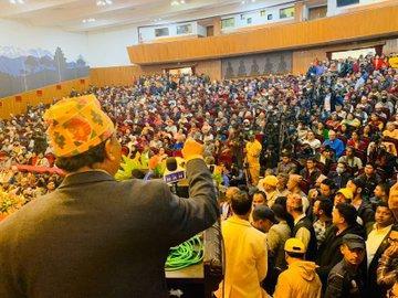 Kamal Thapa devant les monarchistes réunis en congrès