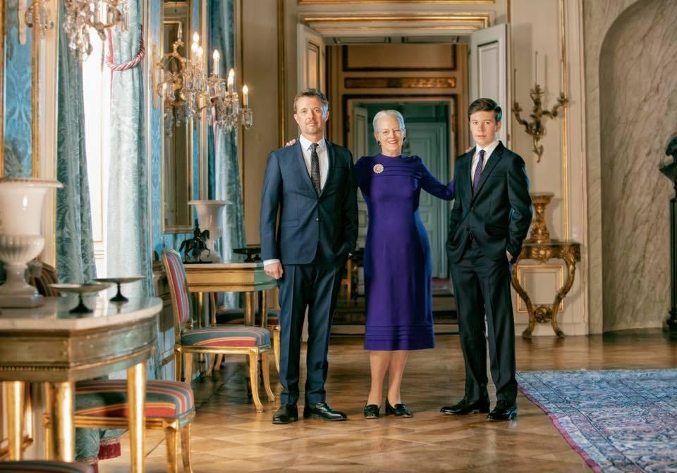 Margrethe II, les princes Frederik et Christian
