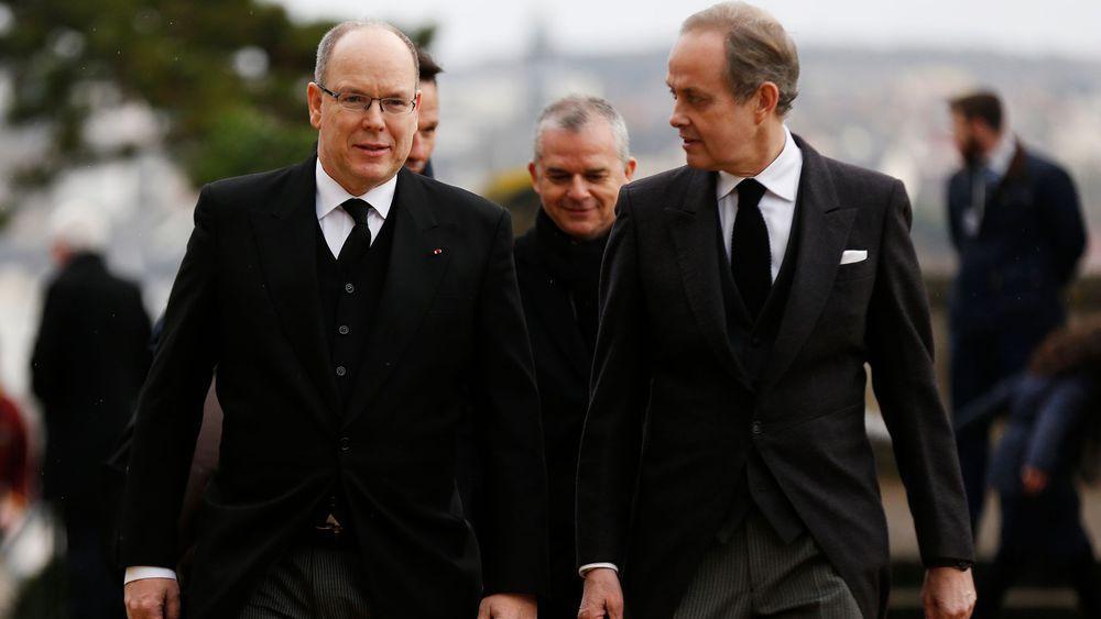 Albert de monaco a gauche et jean d orleans aux obseques du comte de paris le 2 fevrier afp comcharly triballeau