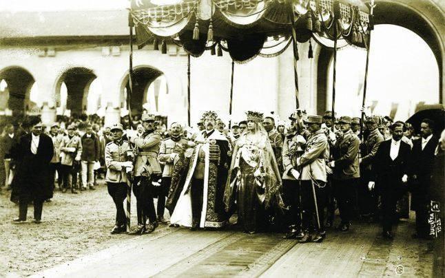 Couronnement du roi ferdinand et de la reine marie de roumanie