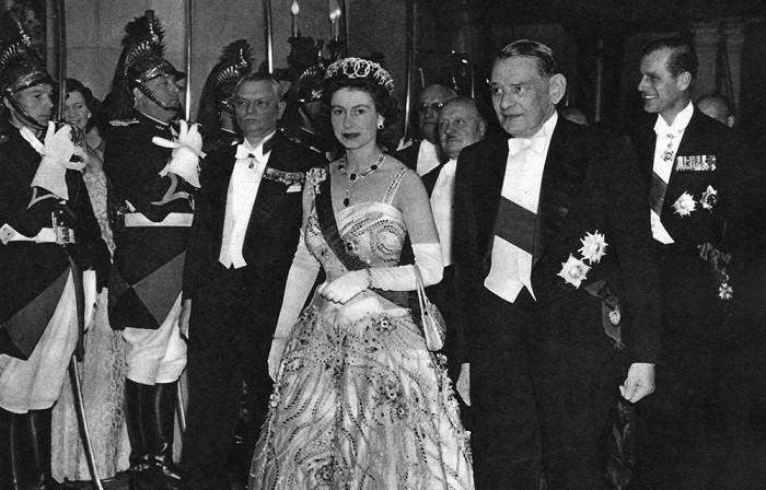 Elisabeth ii et le president coty