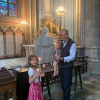 Le comte de Paris,le prince Jean  les princesses Antoinette et Jacinthe d'Orléans