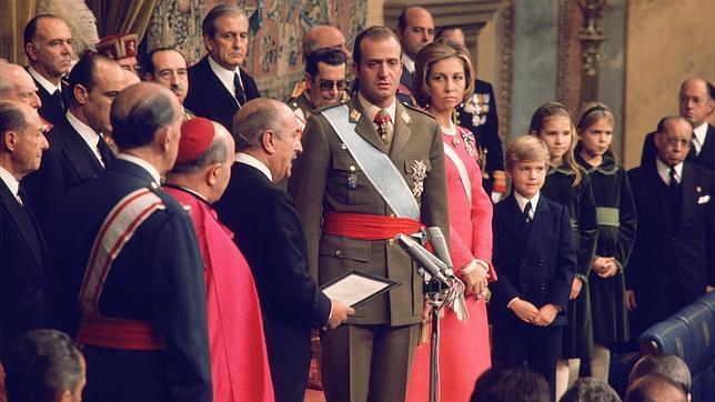 Juan carlos proclame roi en 1975