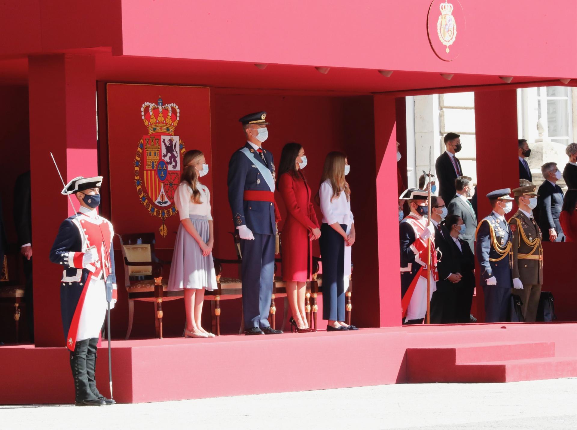 La famille royale d espagne reunie pour le 12 octobre