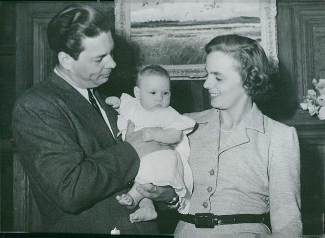 La princesse irina avec le roi michel et la reine anne