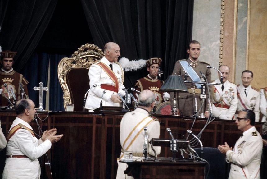 La proclamation de juan carlos comme futur roi d'Espagne