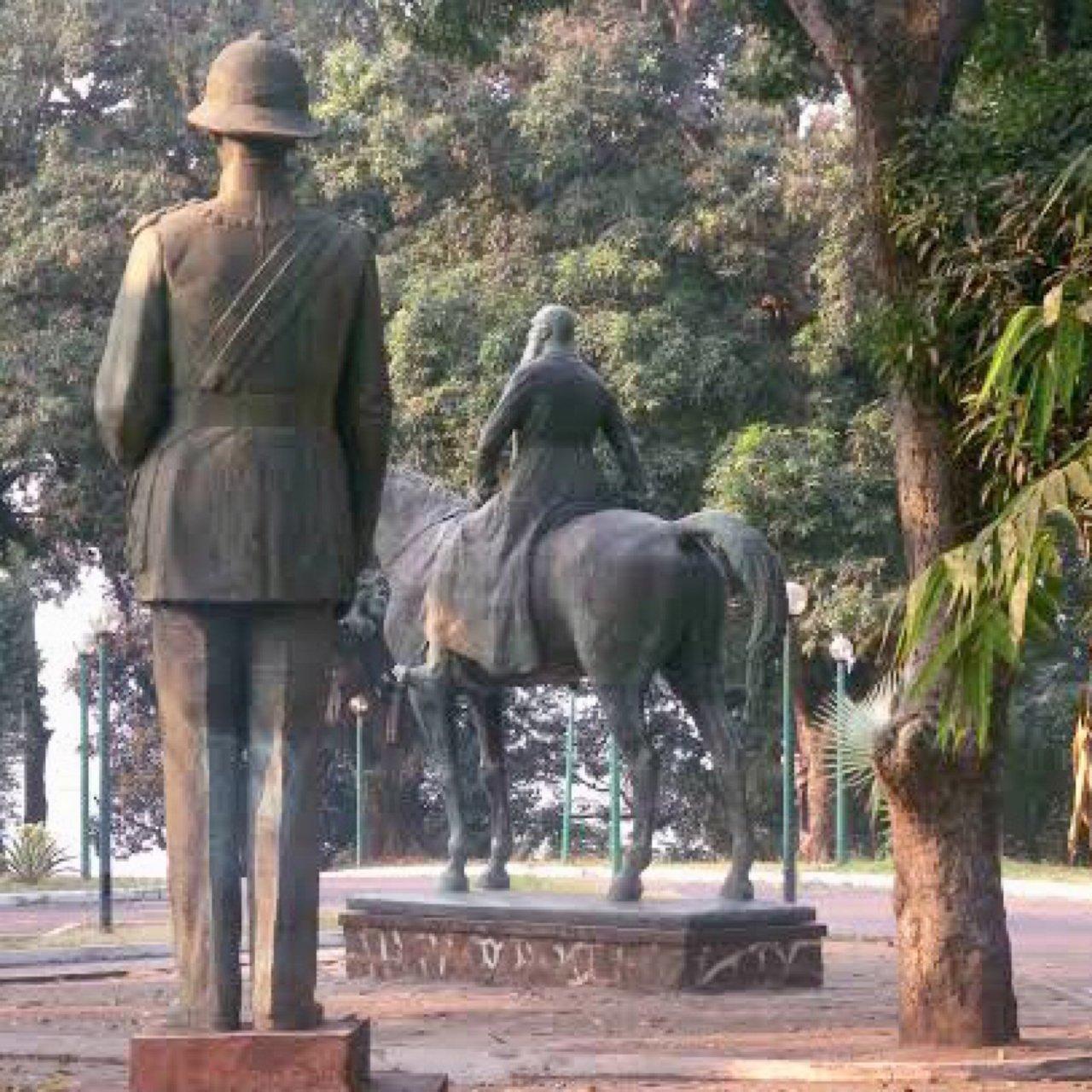 La statue de leopold a kinshasa