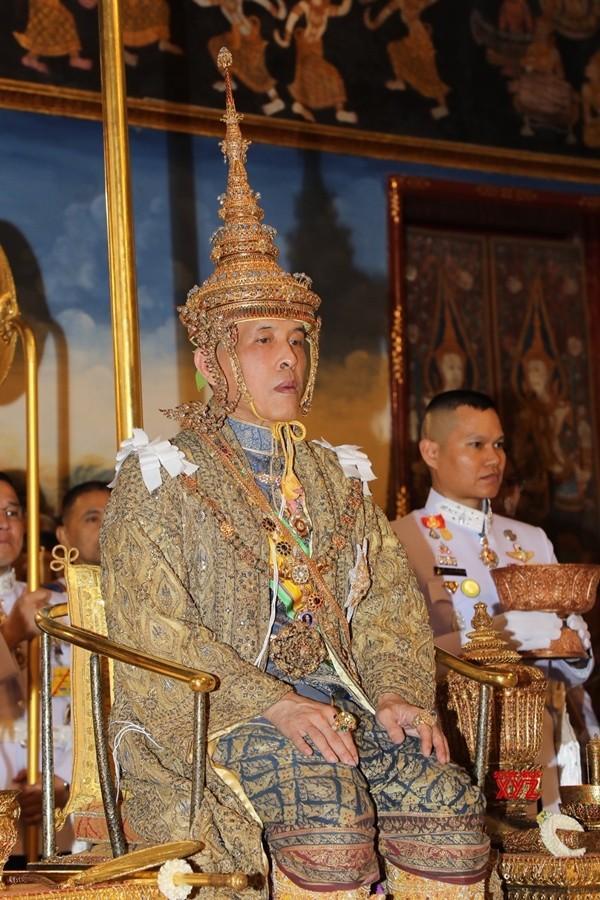 Le roi de thailande rama x