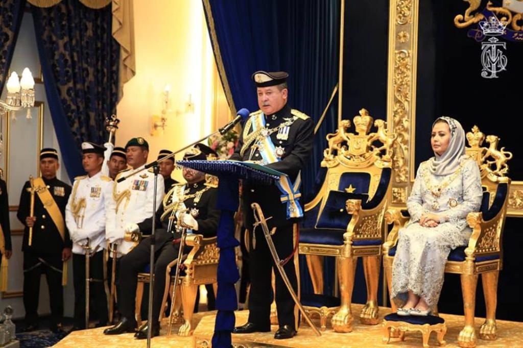 Le sultan de johor s adresse aux elus de la nation