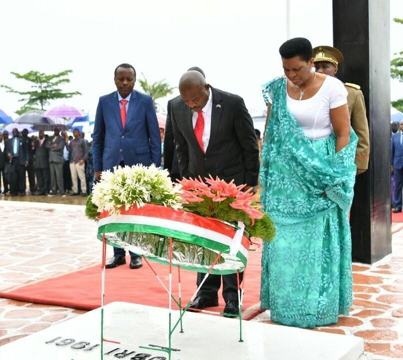 Nkrurunziza rend hommage au prince