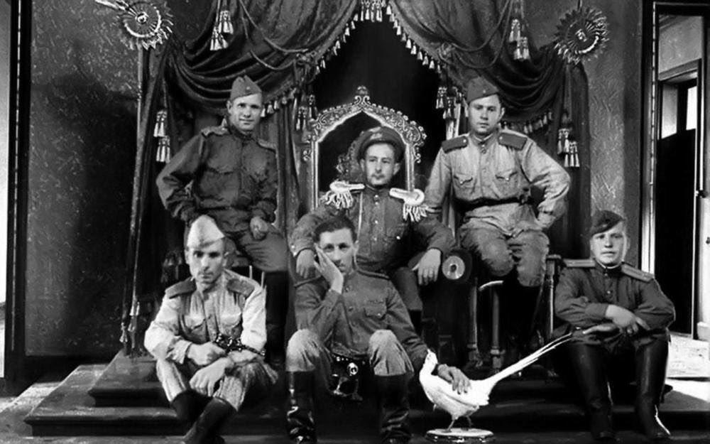 Sovietiques sur le trone imperial mandchou