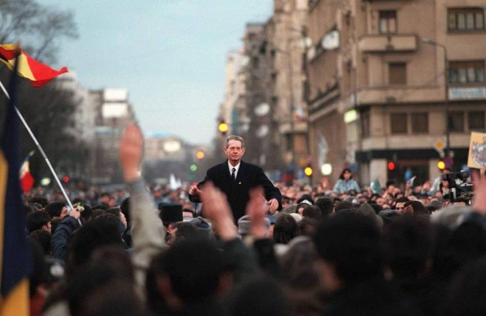 Retour triomphal du roi Michel Ier en 1992