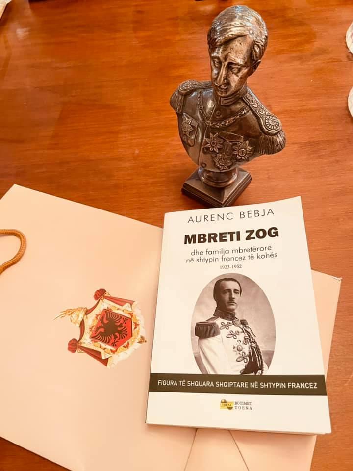 Livre sur le roi Zog Ier