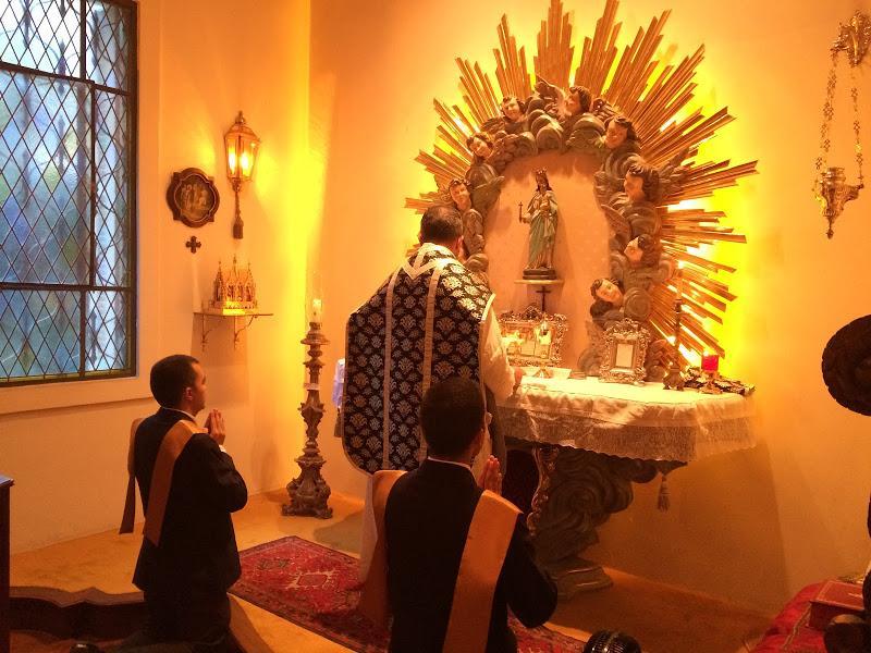 Membres de la TFP priant le Seigneur Photo@Promonarquia