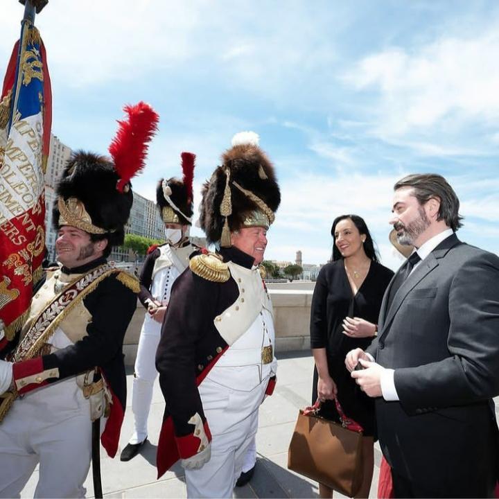 Le prince Murat avec des passionnés de l'Empire. Photo@DavidNivière