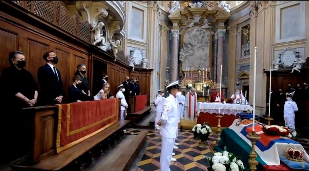 Les Savoie-Aoste disent adieu au chef de la maison royale