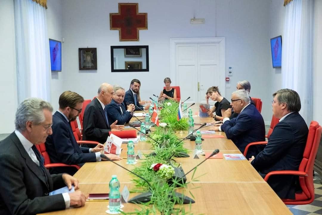 Réunion de l'Ordre de Malte avec la délégation russe