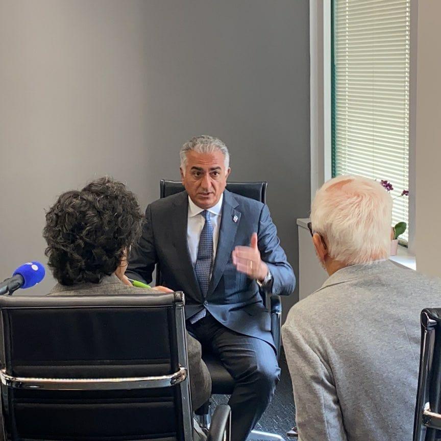 Reza Shah Pahlavi  interviewé par l'AFP