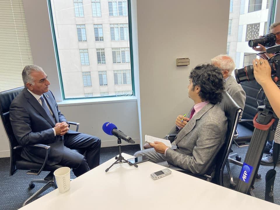 Reza Shah Pahlavi II interviewé par l'AFP