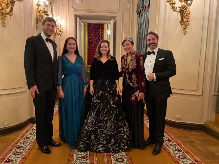 Leka d'Albanie, Joachim Murat , leurs épouses, droits réservés