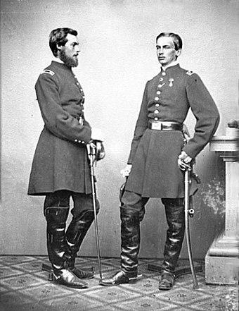 Le comte de Paris (gauche) et le duc de Chartres (droite)
