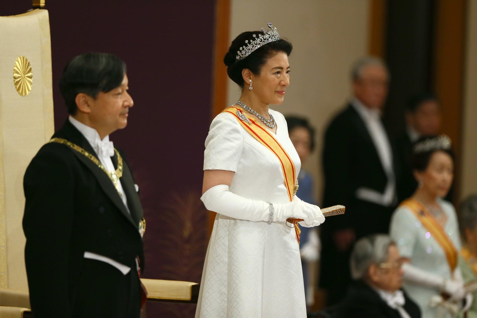 la nouvelle imperatrice masako au cote de naruhito