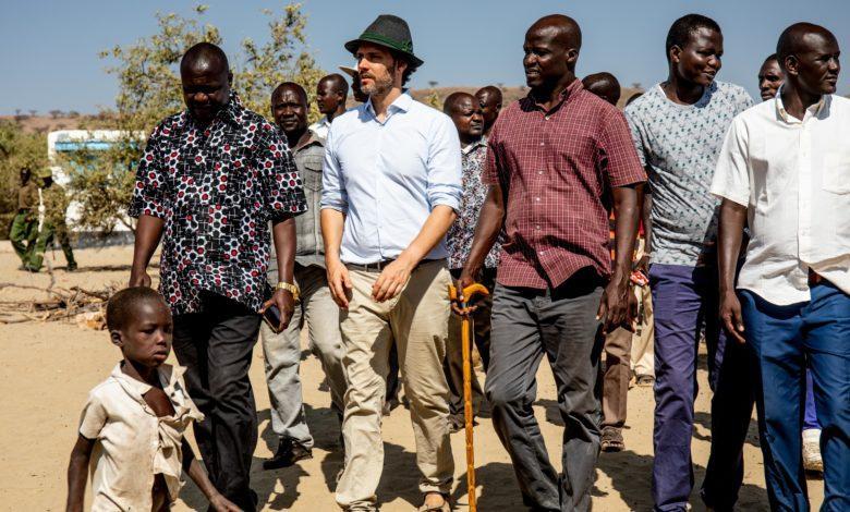 Louis de Bavière avec des Kenyans
