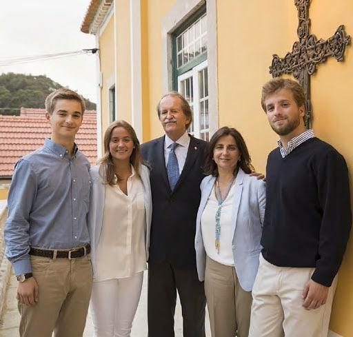 Le duc de Bragance et ses 3 enfants