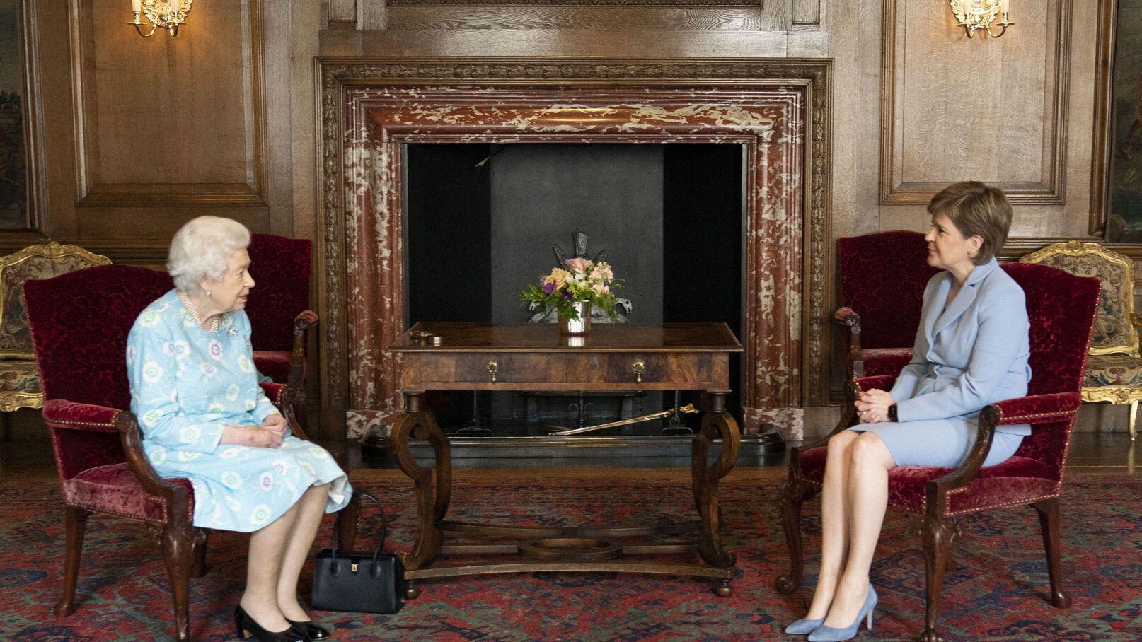 Elizabeth II et Nicola Sturgeon