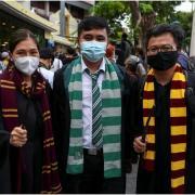 Etudiants thailandais jetant un sort sur la monarchie ap mma