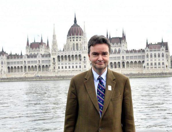 Georg de Habsbourg-Lorraine  devant le parlement hongrois