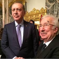 Le président Erdogan et le prince Harun Osman Osmanoğlu , prétendant au trône de Turquie