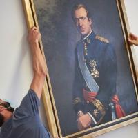 Le portrait du roi juan carlos enleve du parlement de navarre