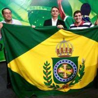 Le president bolsonaro et les partisans de la monarchie
