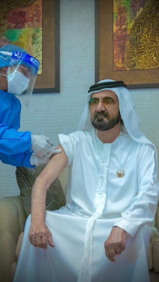 Le souverain de dubai se fait vacciner