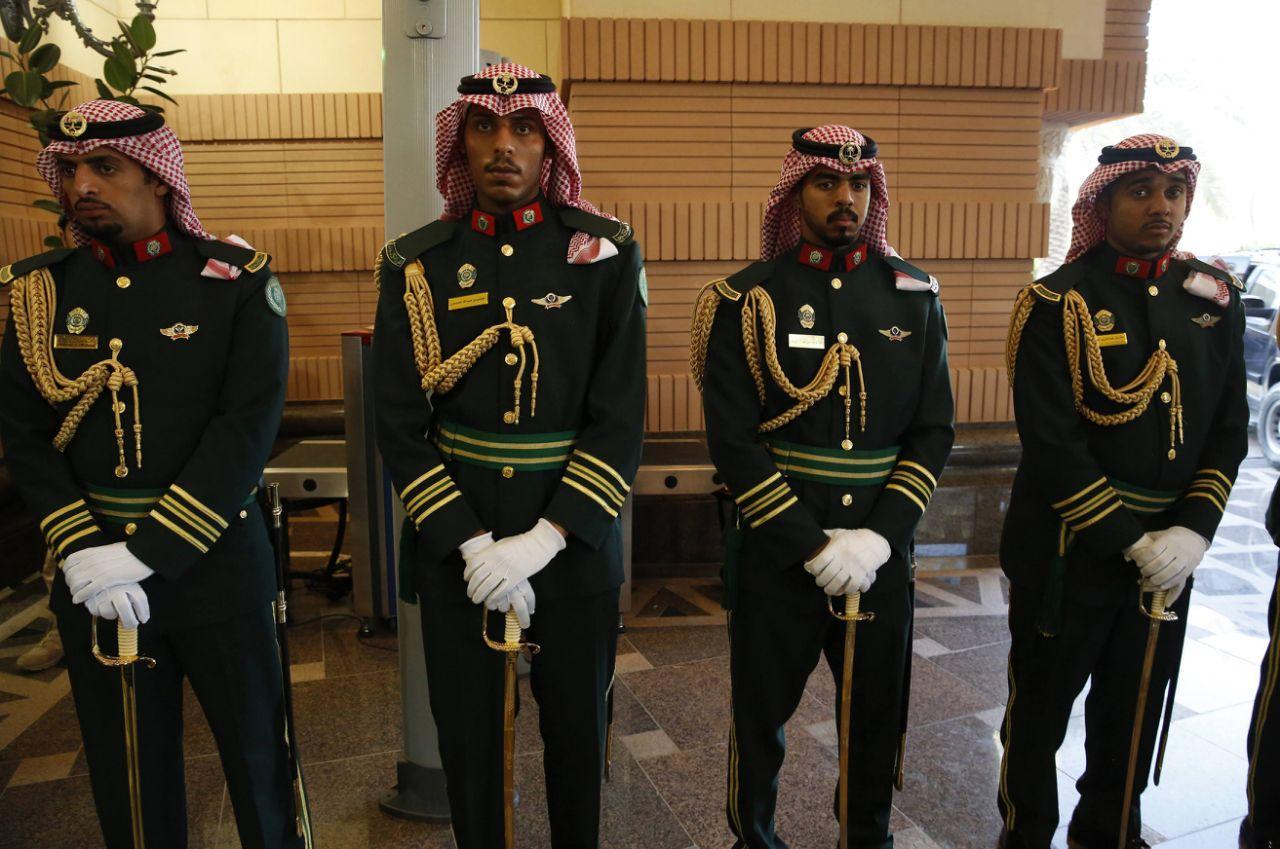 Gardes du palais royal de Riyad.