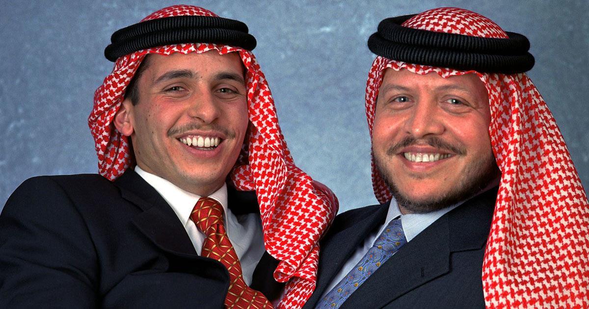 Prince Hamzah (gauche) et Abdallah II (droite)