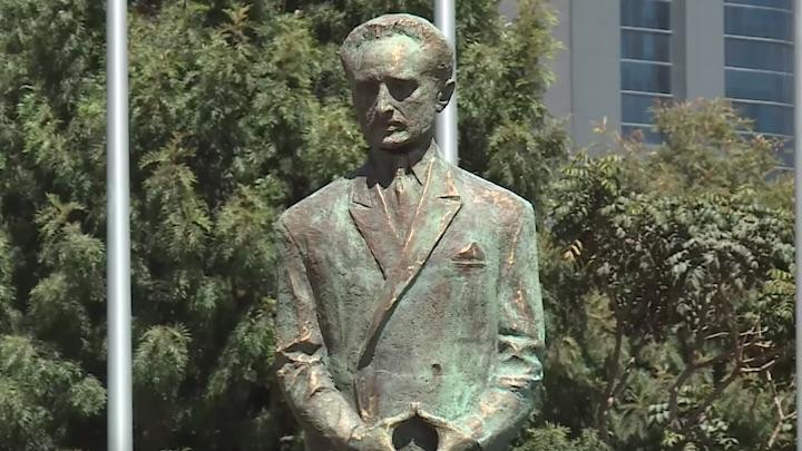 Statue de Haile Selassié devant l'UA
