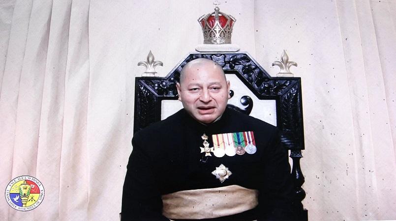Le roi du Tonga avertit le parlement